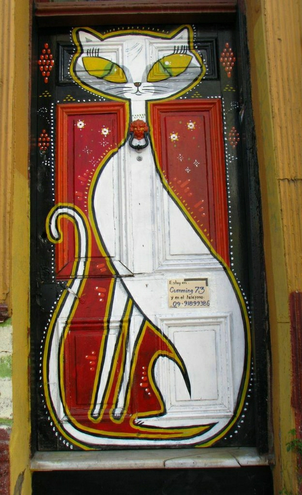 bemalte-wohnungstüren-eingangstüren-madeira-portugal-katze