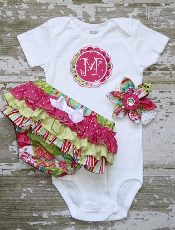 bequeme-und-tolle-modelle-baby-kleidung-kindermode-babymode