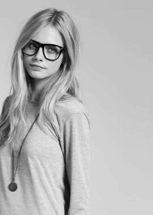 bild-moderne-trendige-elegante-modelle-designer-brillen