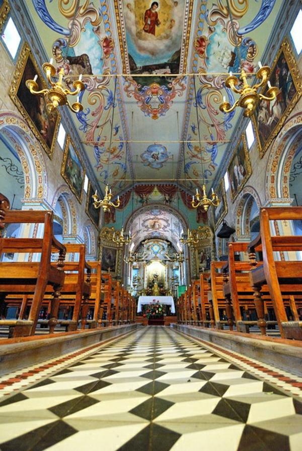 church-sao-vincente-sehenswürdigkeiten-madeira-madeira-urlaub-madeira-wandern-urlaub-auf-madeira