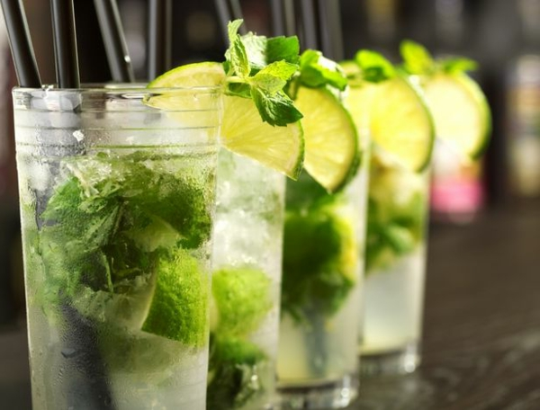 cocktail-dekoration--cocktail-rezept-mojito-cocktail-rezept-bekannte-cocktails--