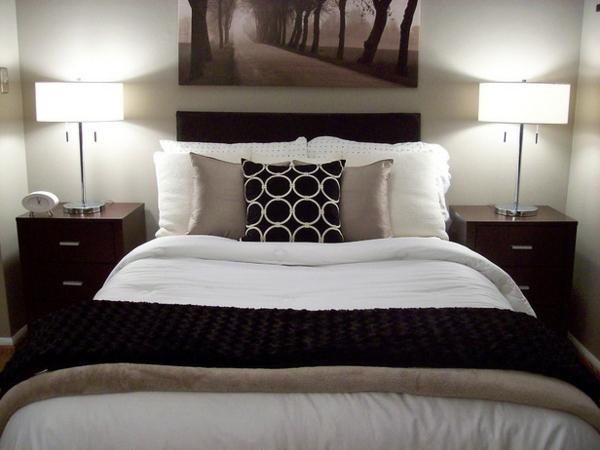 bett dekoration braun. Black Bedroom Furniture Sets. Home Design Ideas