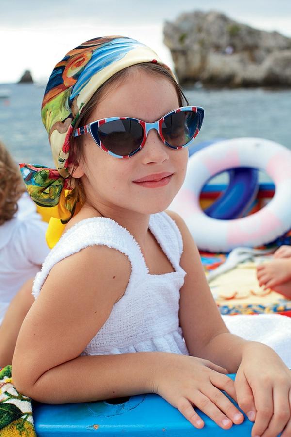 coole-sonnenbrille-designer-sonnenbrillen-moderne-trends-kinder-sonnenbrille-kinder-sonnenbrillen
