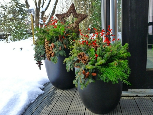 deko-ideen-blumendeko-ideen-für-einen-schönen-pflanzkübel-