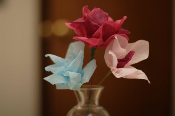elegante-Papierblumen-in-Vase-resized