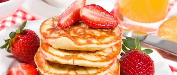 erdbeeren-basisches-frühstück-leckeres-frühstück-gesundes-frühstück-rezepte-perfektes-frühstück