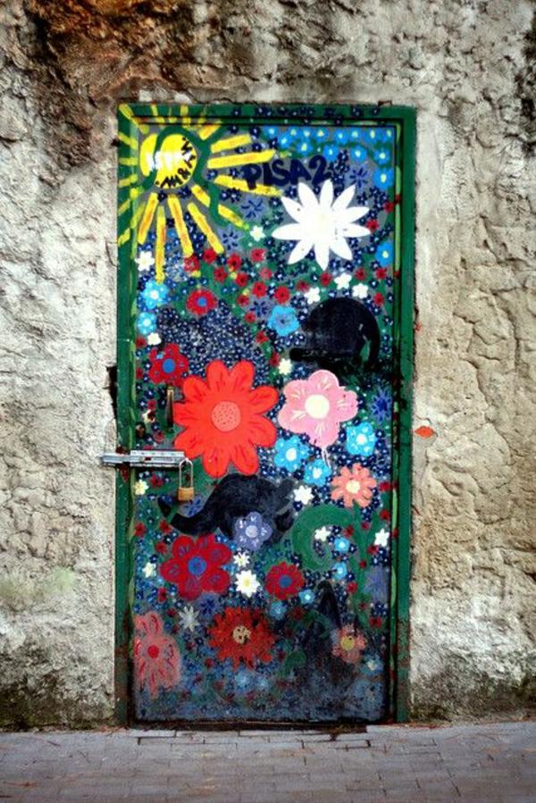 fantastische-bemalte-eingangstüren-wohnungseingangstüren-deko-idee