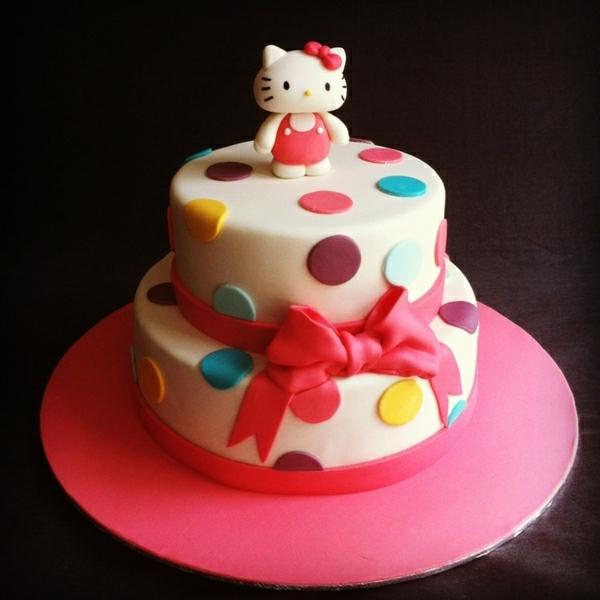 fantastische--torte-bestellen-schöne-torten- torten-verzieren-torten-bilder-geburtstagstorten- Hello Kitty Torten