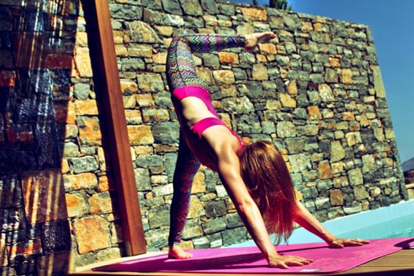 farbiger-Yoga-Set-resized