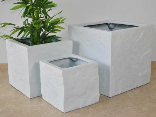 fiberglas- blumenkübel-mit-schönem-design-in-weißer-farbe