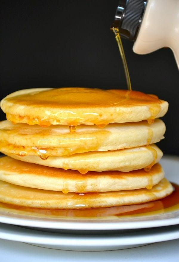 frühstücksbuffet-ideen-pfannkuchen-ideen-zum-frühstück