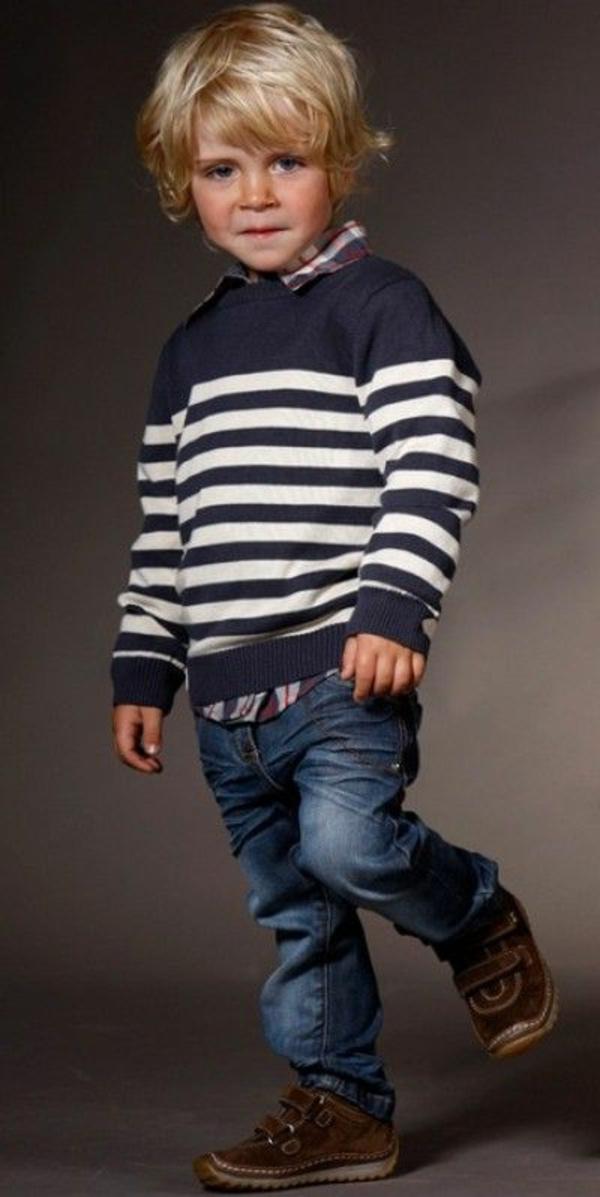 frisuren-für-jungs-schöner-pullover
