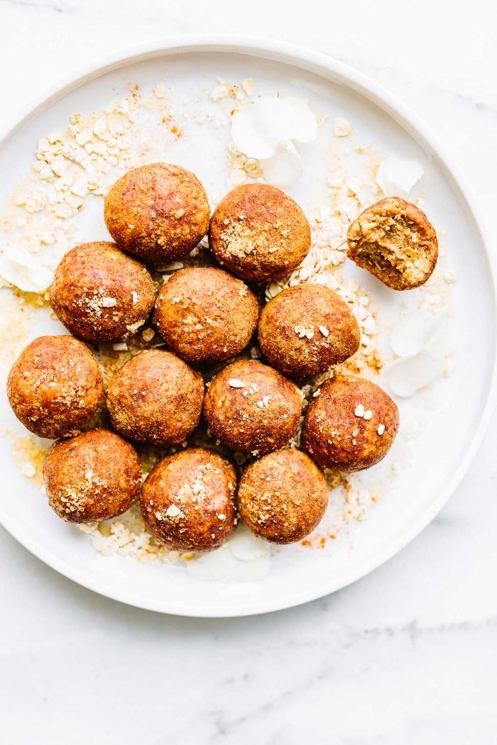 frühstücksbuffet ideen, häppchen mit zimt und vanille, brunch was gehört dazu