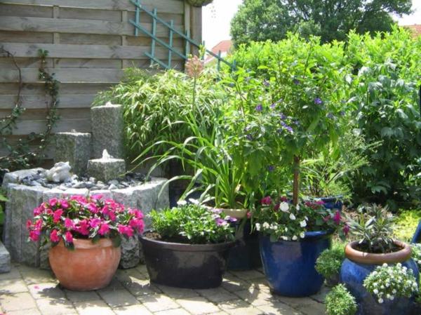 gartendeko-gartengestaltung-ideen-für-einen-schönen-pflanzkübel-