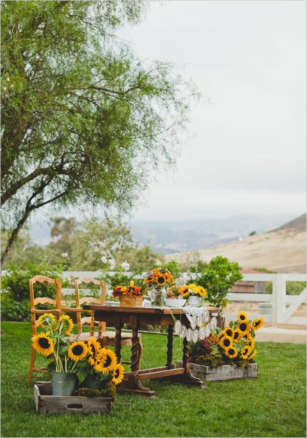 Faszinierende dekoideen mit sonnenblumen - Dekoideen gartenparty ...