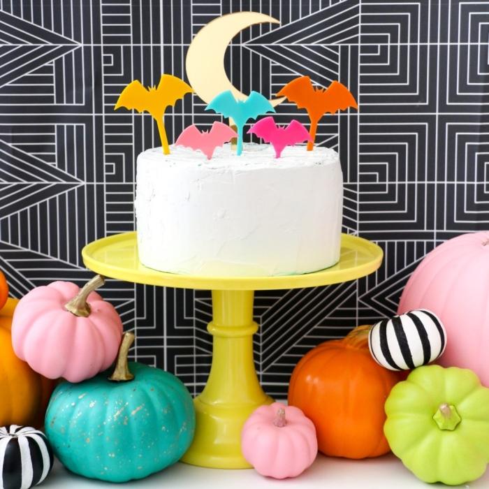 geburtstagsdeko kinder, torte dekorieren, halloween partydeko, bunte kürbisse