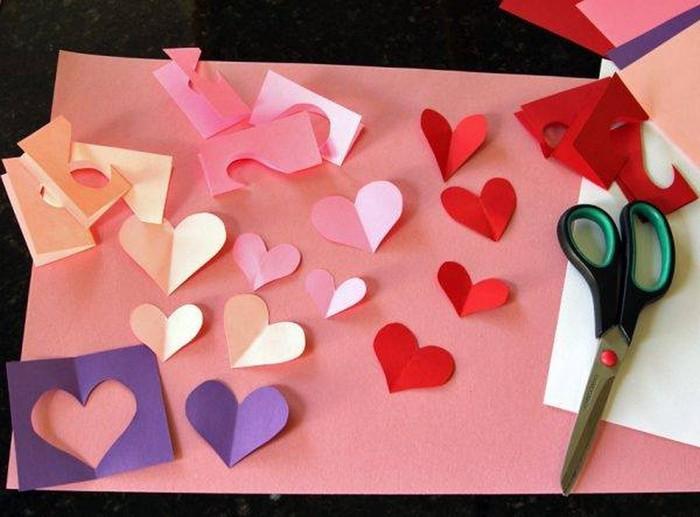 geburtstagskarten selber machen vorlagen kostenlos klappkarte basteln herzchen selber schneiden rosa rot papier 3d karte basteln