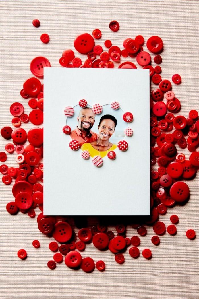 geschenkkarte basteln ausgefallene geburtstagskarten selber basteln rote knöpfe foto liebe