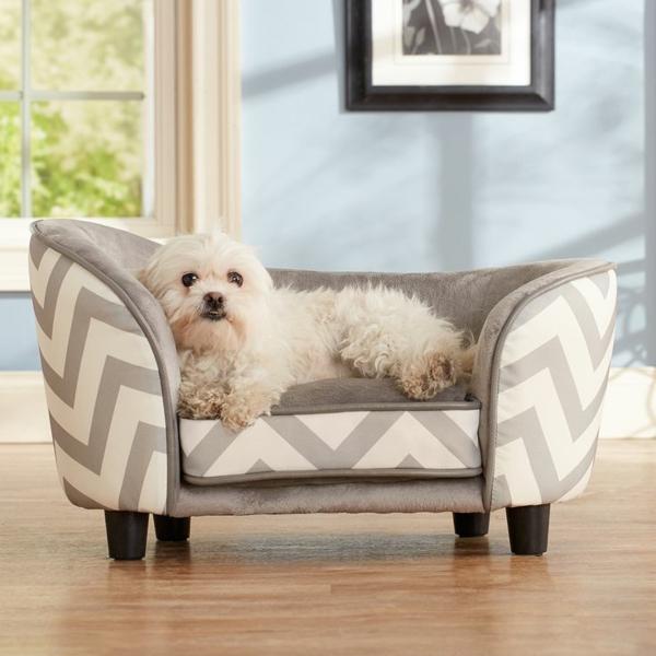 graue-weiße-streifen-schöne-ideen-für-ihren-hund-sofa-hundeaccessoires-hundebett-hundekissen
