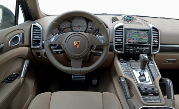 graues-design-porsche-interieur-super-cool