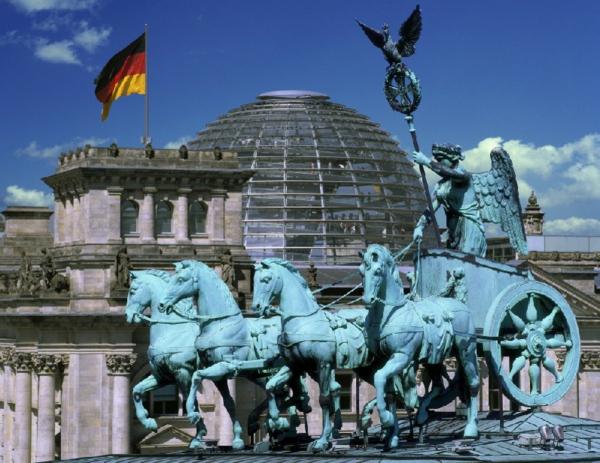 großartige-architektur-in-berlin-foto-in-frühling-genommen