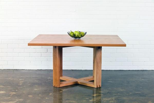 Bauholzmobel beste bildideen zu hause design for Tisch eins design studio