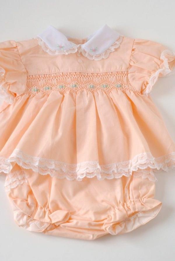 hübsche-babykleider-baby-kleidung-baby-klamotten-schöne-modelle