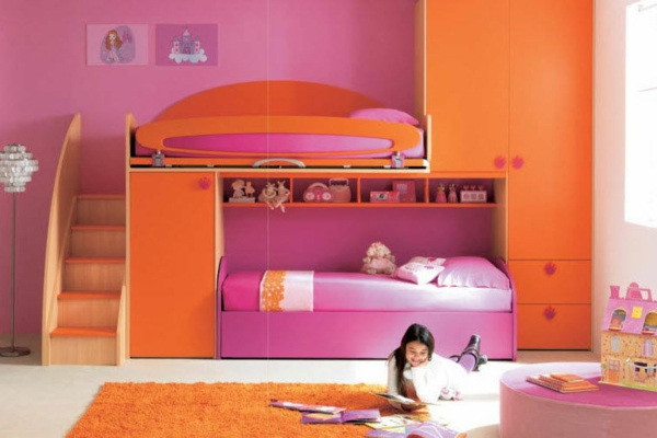 hochbett-für-mädchen-orange-und-lila-kombinieren