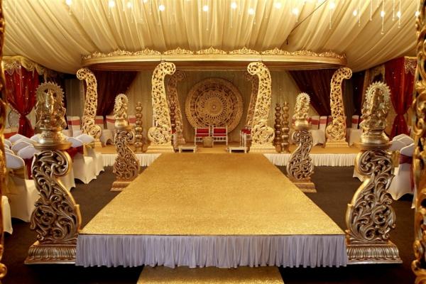 indisches-zimmer-mit-großartiger-dekoration
