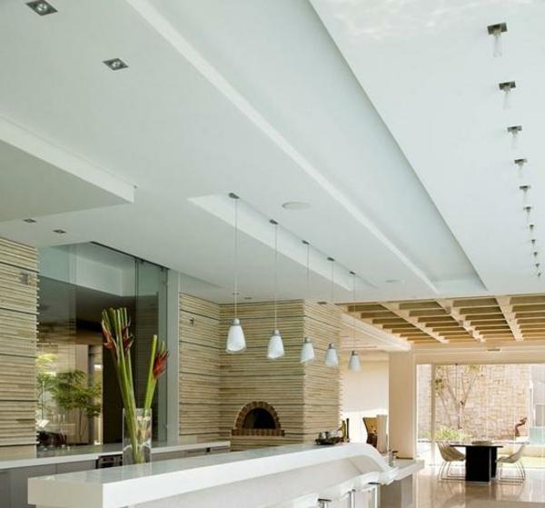 interessante-deckenleuchten-für-wohnzimmer-weiße-zimmerdecke