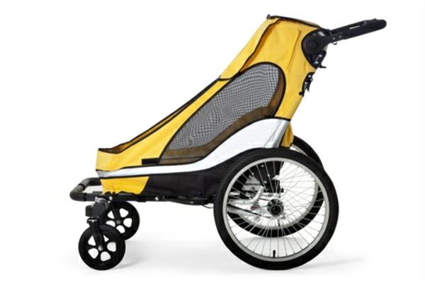 kinder-fahrradanhänger-modell-in-gelb-und-grau-weißer-hintergrund