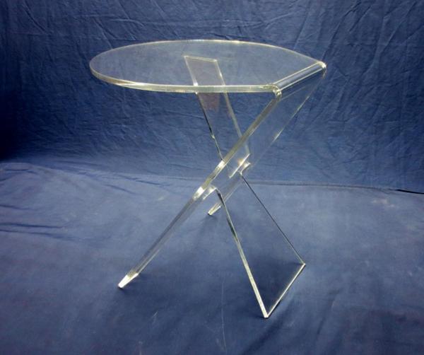 Acryl Tisch für eine elegante Zimmergestaltung! - Archzine.net