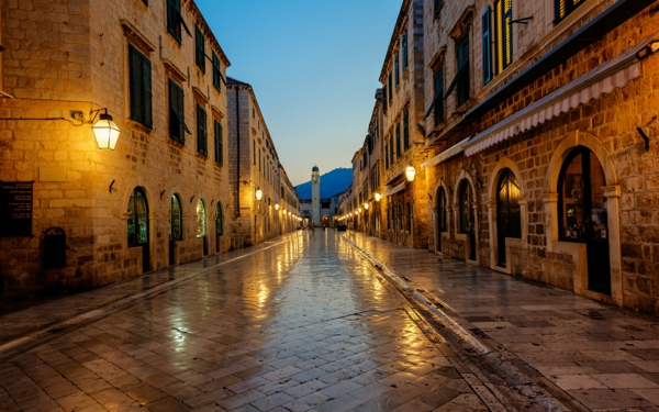 kroatien-urlaubsorte-dubrovnik-reisen-kroatien-urlaub-2015-kroatienurlaub-insel-kroatien-nachtsüber