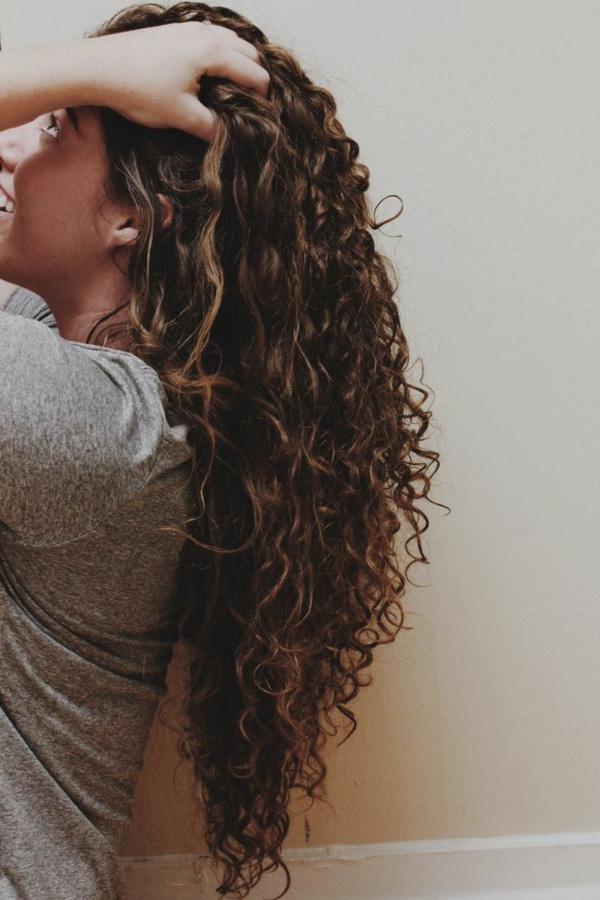 lange-lockere-haare-sehr-interessant-aussehen