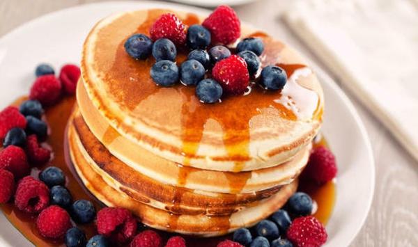 leckeres-frühstück-gesundes-frühstück-rezepte-erdbeeren