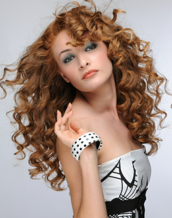 Elegant Hairstyles For Naturally Curly Hair