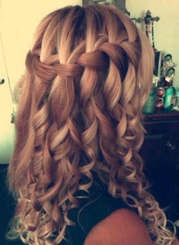 locken-styling-super-attraktiver-look-lange-blonde-große-haare