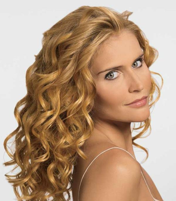 locken-styling-super-coole-blonde-wellen