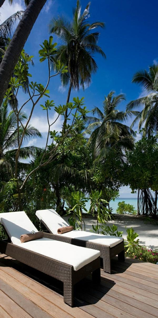 loungemöbel-urlaub-malediven-reisen- malediven-reise-ideen-für-reisen