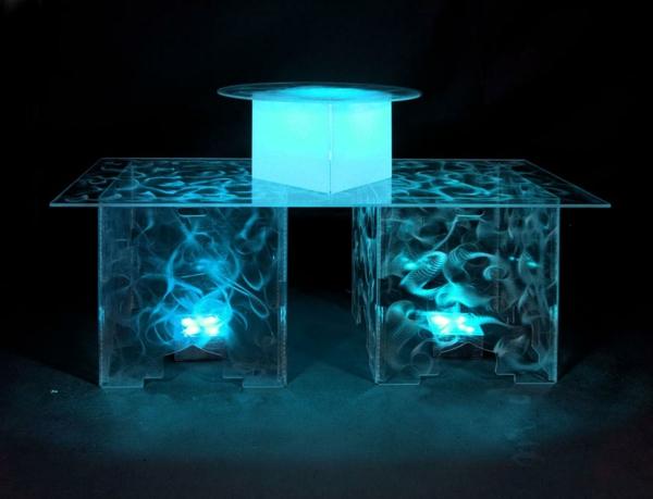 modern-beleuchtete-acryl-tische