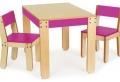 Kinderstuhl und Tisch: eine besonders gute Kombination!