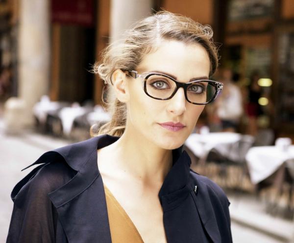 moderne-trendige-elegante-modelle-designer-brillen-moderne-modelle