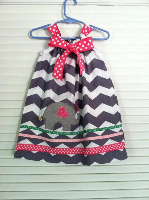 _modernes-babykleid-babykleidung-online-babyklamotten-günstige-babykleidung-babykleid