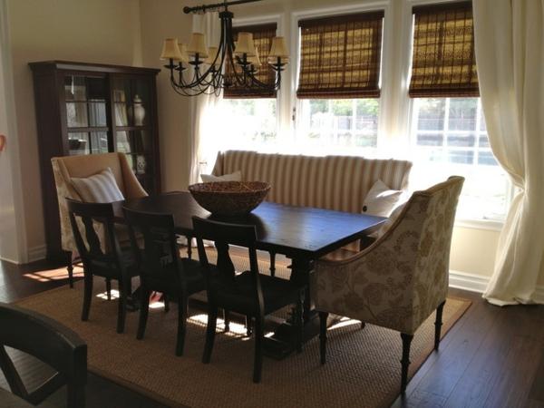 modernes-und-attraktives-esszimmer-sofa-traditionelles-schönes-design
