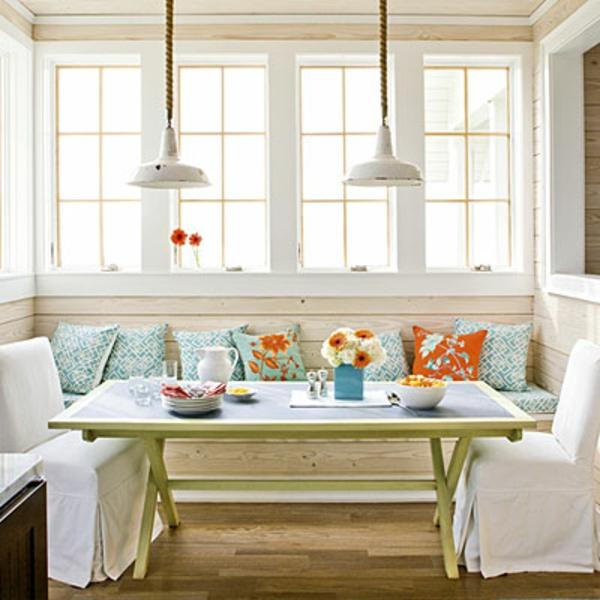 modernes-und-attraktives-esszimmer-sofa-weißes-schönes-sofa