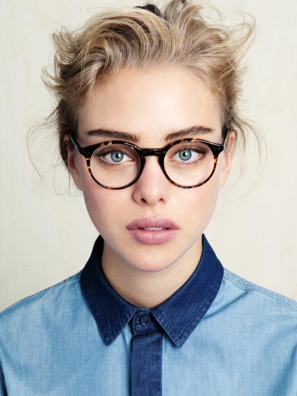 -modische-brillen-trendige-brille-günstig-brille-putzen-