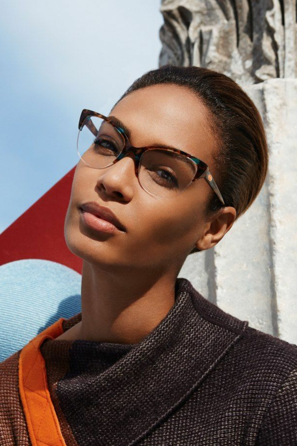 ---modische-brillen-trendige-brille-günstig-brille-putzen