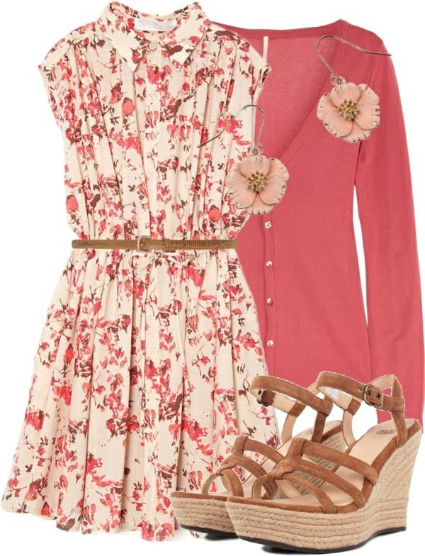 modische-outfits-damenmode-sandalen-mit-keilabsatz-sommerkleider-auf-blumen Schuhe mit Keilabsatz