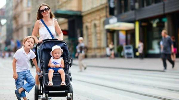 Zeit f r einen spaziergang mit kinderwagen - Giftige zimmerpflanzen fur kinder ...