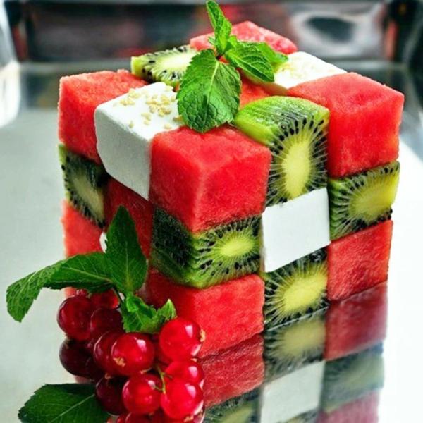 obstsalat-rezept-obstsalat-obstsalat-dressing-obstsalat-kalorien-wassermelone-käse-kiwi